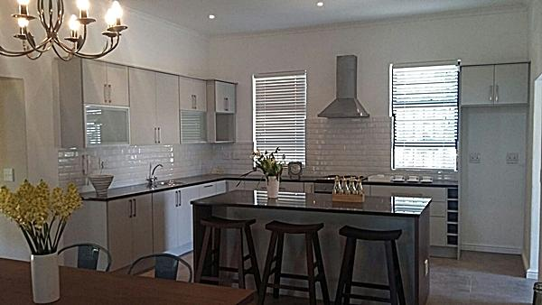 Kitchen cupboard installation south africa - Kitchen built in cupboards designs ...